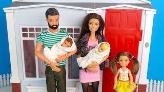 ВОТ МЫ ДОМА или ПЕРВАЯ БЕССОННАЯ НОЧЬ ПАПЫ  Мультик Куклы #Барби Игрушки Игры Для девочек IkuklaTV