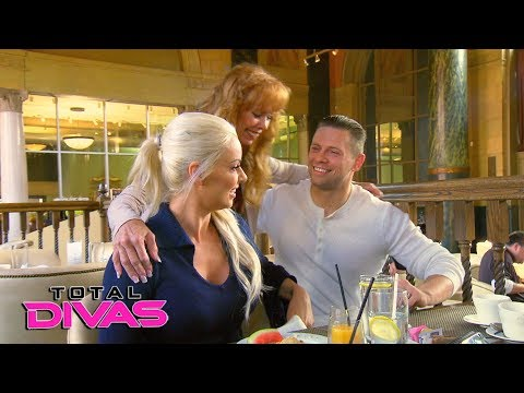 The Miz and Maryse break their big news to his parents: Total Divas, Jan. 31, 2018