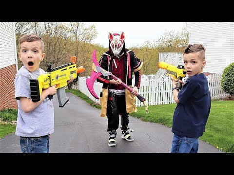 Nerf War:  Drift vs PBT Squad (Fortnite Drift In Real Life) - Видео онлайн