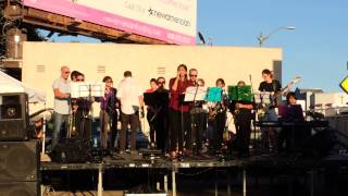 No me dejes de querer de Gloria Estefan con Eagle Rock Music Festival 2014, Eagle Rock Jazz Band