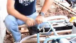 Видео-ролик по применению Мастики ТЕХНОНИКОЛЬ № 33(, 2012-01-28T01:29:39.000Z)