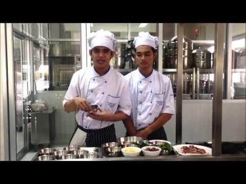Thai Food - แกงเผ็ดเป็ดย่าง (มหาวิทยาลัยราชภัฏสวนดุสิต ศูนย์ลำปาง)