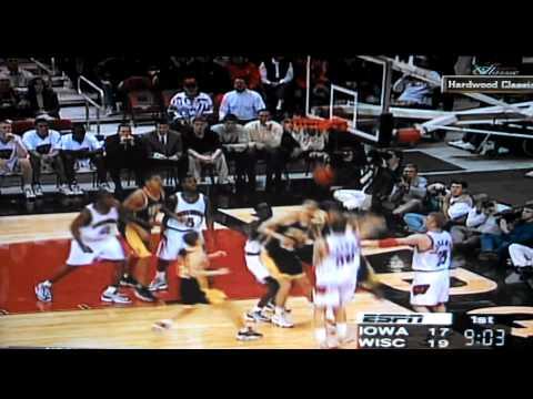 Iowa Hawkeye Ricky Davis dunks on Wisconsin