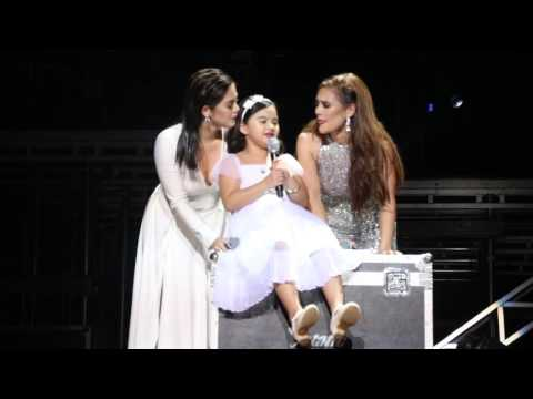 Vina Morales with daughter Ceana and sister Shaina Magdayao