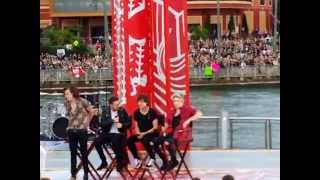 20141117 One Direction Concert on the Today Show @ Universal Orlando Part 1