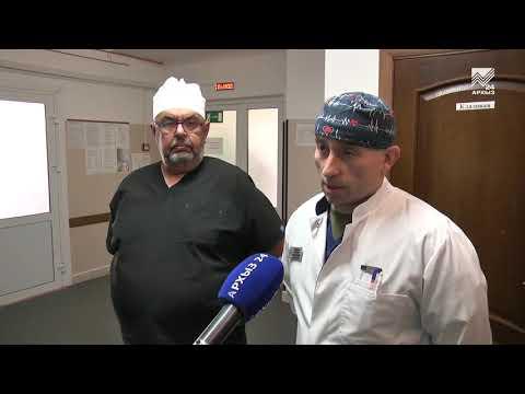 Ведущий уролог Москвы дал в Черкесске мастер-класс за операционным столом
