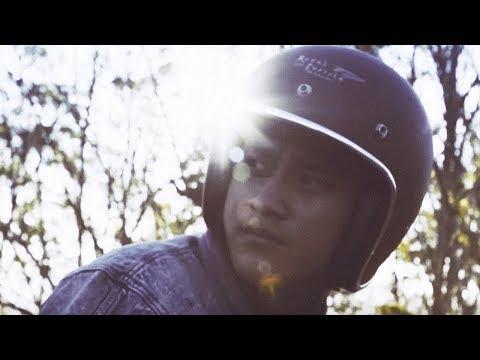 HIVI! - Siapkah Kau 'tuk Jatuh Cinta Lagi (Official Music Video) - Ilham Aditama
