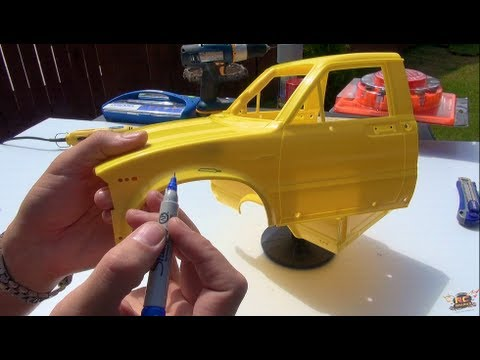 """RC ADVENTURES - PAiNT An RC - """"Top Gear Toyota Hilux"""" Tribute - PT1 - SPRAY & RUST (RC4WD TF2) BV3"""