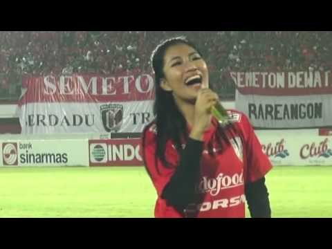 BALI UNITED Vs AREMA CRONUS At Stadion Dipta Gianyar Bali - Live Performance By EBA AYU FEBRA