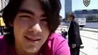 Joe Jonas updates us
