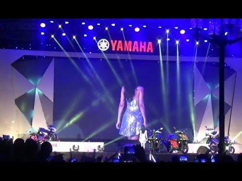 [Live] Đông Nhi hát XIN ANH ĐỪNG | YAMAHA | Concert in Hue | 07/10/2017