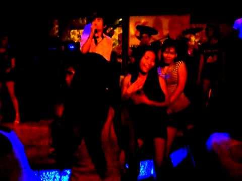 Dancing Mo Lam isaan music