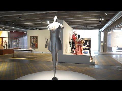 #Москвастобой - Выставка Atelier E.B «Прохожий»