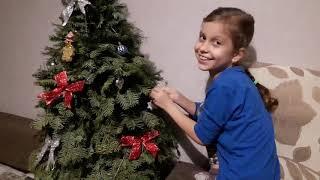 готовимся к Новому году  Украшаем елку