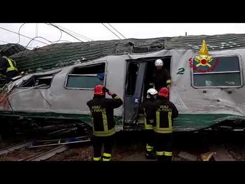 Milano: Treno Trenord deraglia tra Segrate e Pioltello , il ritrovamento di alcuni feriti.