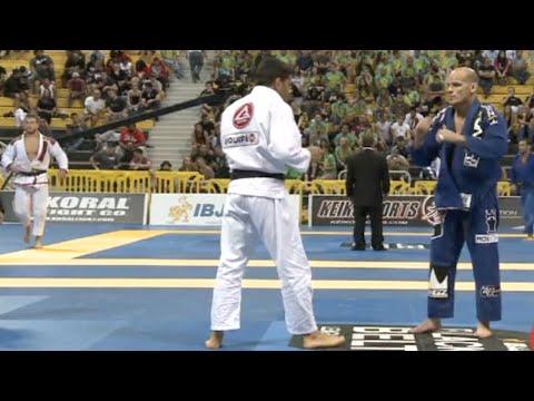 "Xande Ribeiro VS Roberto ""Tussa"" Alencar / World Championship 2012"
