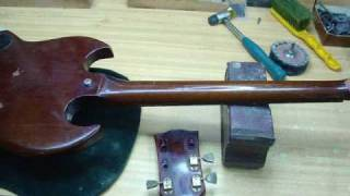 Gibson SG restoration (photo slideshow)