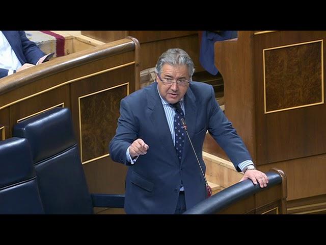 Zoido responde a la pregunta de la diputada de Unidos Podemos Ione Belarra sobre las consecuencias d