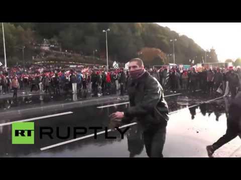 Disturbios tras las multitudinarias manifestaciones en Francia contra la 'ecotasa'