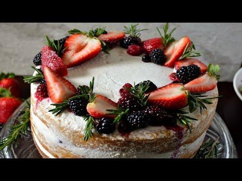Semi-Naked Berry Chantilly Cake