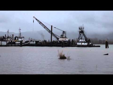 Raising The Spuds On A Derrick Barge:12-21-14