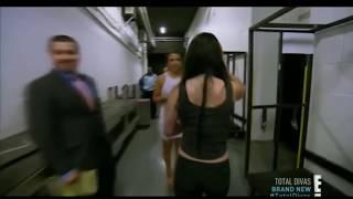 WWE Diva Paige grabs Emma's boobs. SO SEXY.