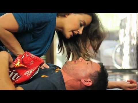 doritos®-crash-the-superbowl-2012--battle-of-the-sexes