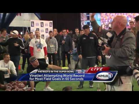 Vinatieri tries to set record at NFL Experience