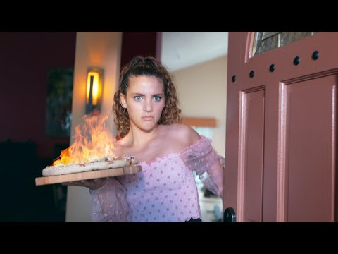 House Tour / Interview With Sofie Dossi