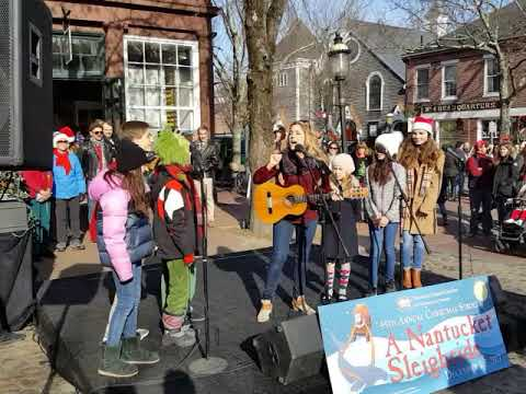 theatre workshop of nantucket performs during 2017 nantucket christmas stroll