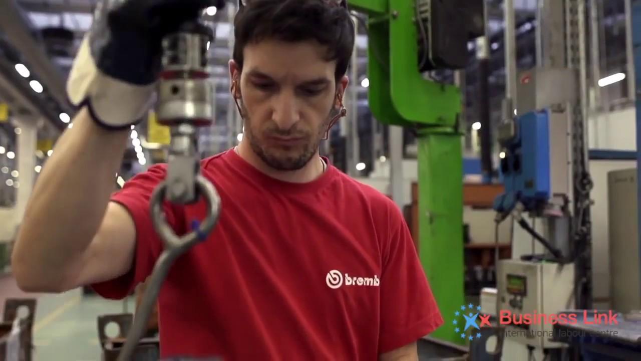 Brembo s. P. A. — итальянский производитель автомобильных тормозных систем, в основном использующихся на спортивных и гоночных автомобилях и мотоциклах. Штаб-квартира находится в бергамо, недалеко от милана. Содержание. [скрыть]. 1 история; 2 продукция; 3 автоспорт и мотоспорт.
