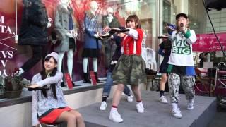 名古屋パルコ 西館1Fイベントスペース で 行われたインストアライブ。 ...