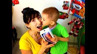 3-летний Сын Подарил Маме iPhone 10 XS MAX!!! Золотая Рыбка Существует!