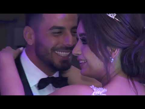Bride and mother singing first dance's song - lebanese wedding