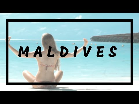 Maldives beach girls