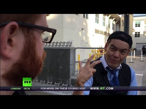 Keiser Report: Credit Freeze (E1128)