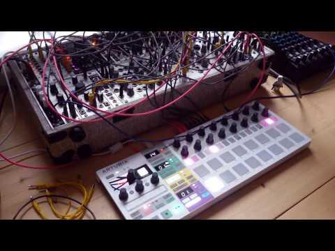 Live Jam #117 - Electronic / Techno / Ambient - Eurorack, Arturia Beatstep pro, Mackie 1202 vlz4