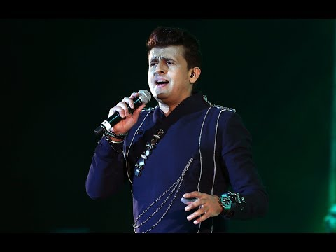 Bollywood playback singer Sonu Nigam mesmerising Doha audience at a musical concert.