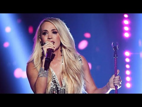 Carrie Underwood Performs For First Time Since Face Injury at the ACM Awards