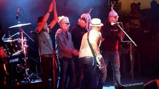 HD - Aliens on Stage with Mother Tongue - Broken (live) @ Two Days A Week 2010, Wiesen, Austria