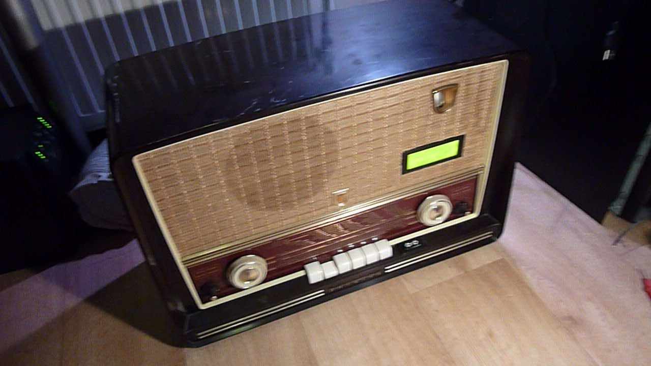 1955 Internet Tube Radio with RaspBerry PI - YouTube