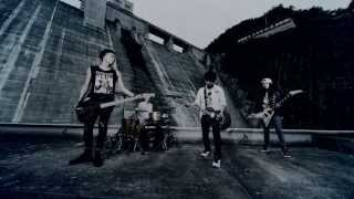 TOTALFAT - Walls (MV)