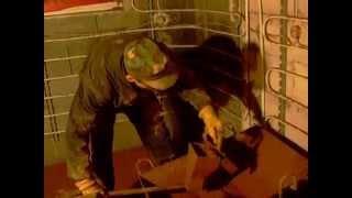 Tynkowanie sufitu gliną,tynkownica własnej roboty