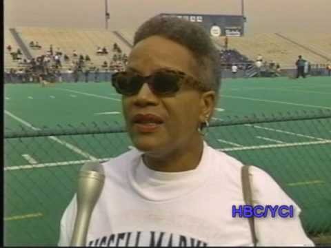 H. W. A.-RUSSELL MARYLAND-OF THE DALLAS COWBOYS SUPERBOWL CHAMPIONSHIPS TEAM-1995 FOOTBALL CLINIC