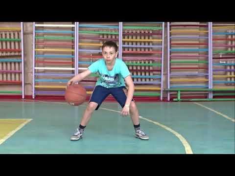 БАСКЕТБОЛ для начинающих. Упражнения с мячом на месте ...