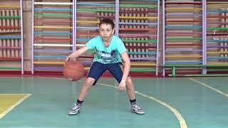 #БАСКЕТБОЛ для начинающих. Упражнения  с мячом на месте 🏀(обучениебаскетболу #ведениемячавбаскетболе #физкультура Индивидуальные упражнения с мячом подходят для ребят, которые хотят научиться ..., 2018-04-08T13:20:02Z)