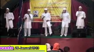 Video Al Mahabbatain Live Show download MP3, 3GP, MP4, WEBM, AVI, FLV Mei 2018