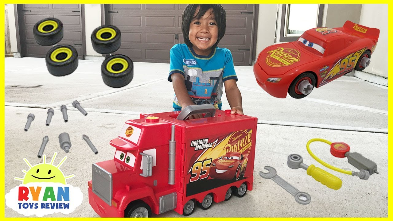 Disney Pixar Cars 3 Lightning Mcqueen Macks Mobile Tool Center Otoys Track Train Cartoon Mainan Kereta Api Pa 8670 Truck Toys Kids Playtime