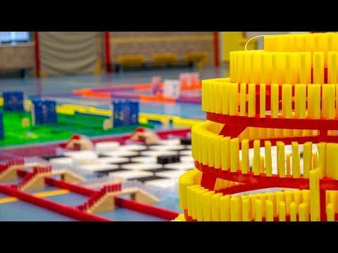 DDT 2017 - Board Games 'It's Your Turn' - 150.000 dominoes - Falldown