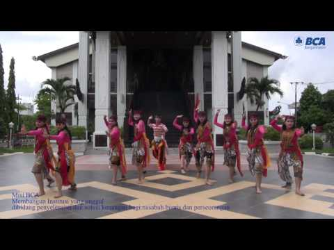 Mixed Traditional East Java and Modern Dance, BCA Banjarmasin Branch, 2014